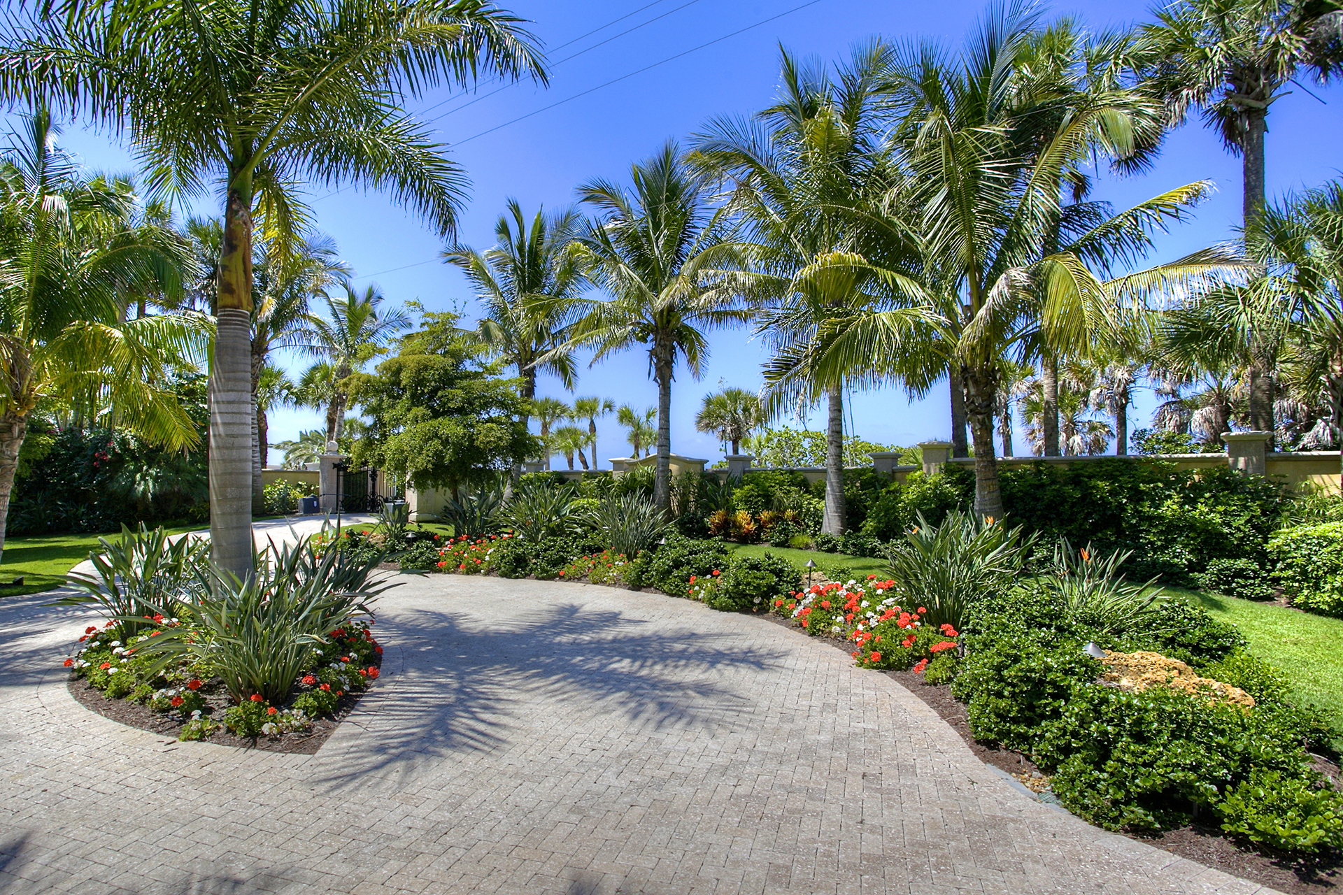 Landscaping for HOAs and communities in Sarasota Florida